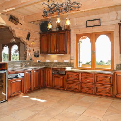 kuchnia-klasyczna-drewniana-na-zamówienie-baum-centrum
